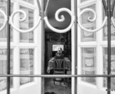 Spiando la solitudine